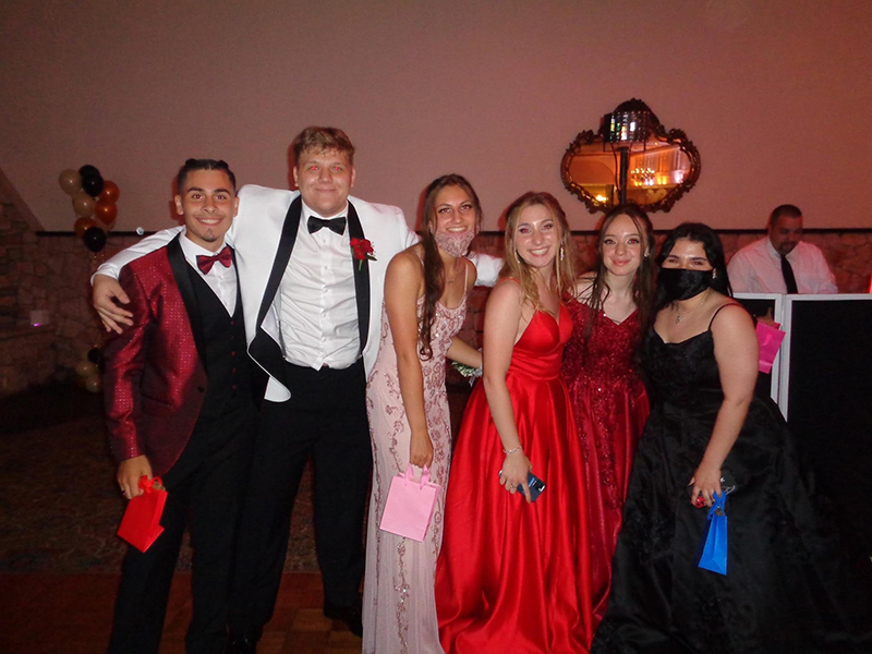 Six high school juniors , two boys on the left, and four girls on the right.